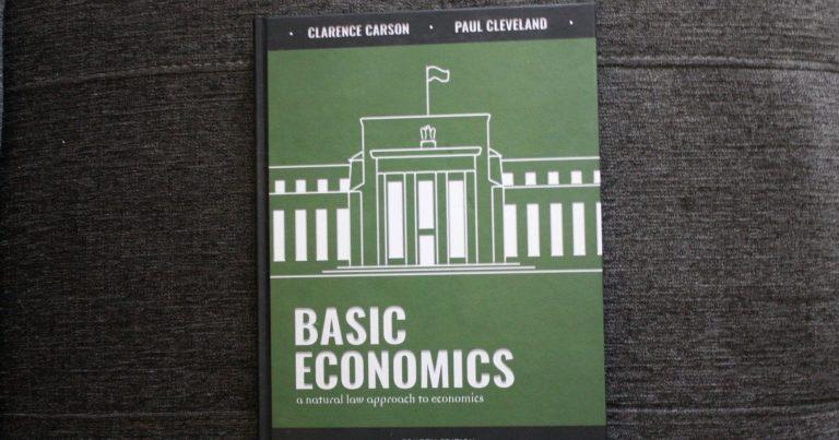 Economics Online Course Bundle {Review}